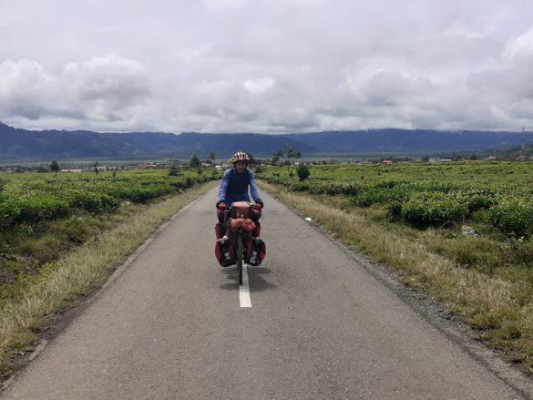 Bersepeda mendaki Seven Summits Indonesia